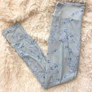 LulaRoe light blue floral leggings one size